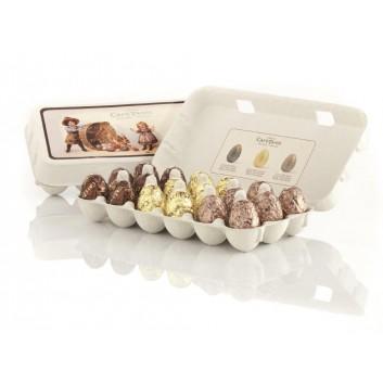 Grote doos van verschillende praline chocolade eieren