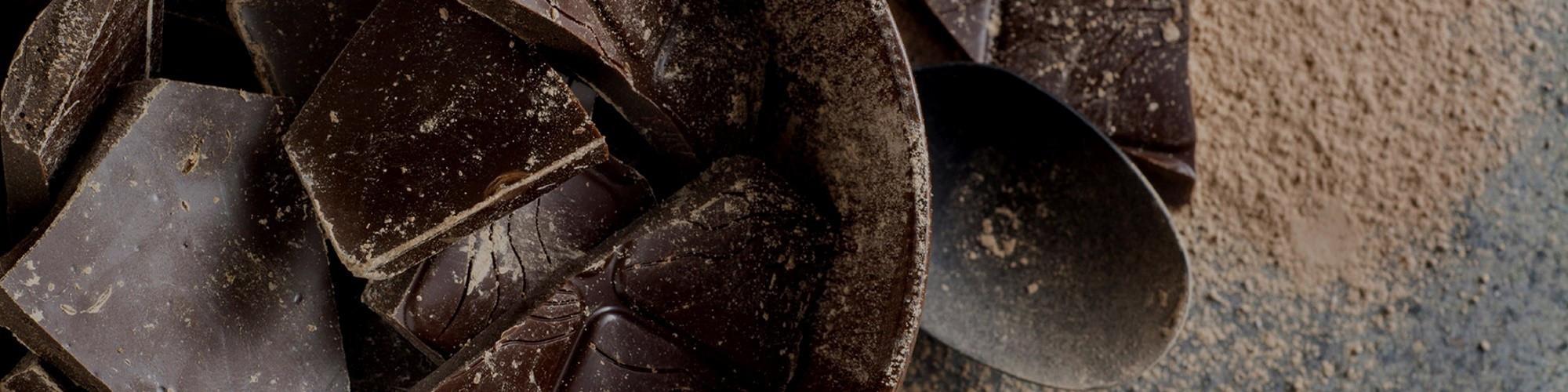 Gedroogd fruit omhulled met chocolade